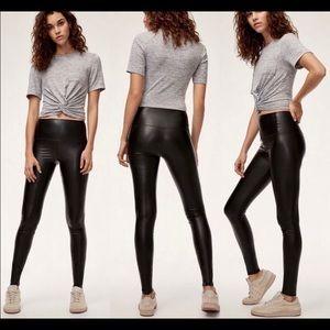 Aritzia Wilfred Free Daria Black Legging Size L